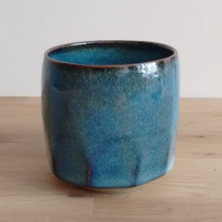 Faceted cup, blue
