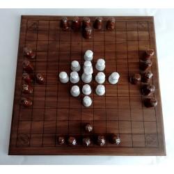 Hnefatafl (jeu de stratégie)